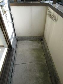 ジュネパレス相模原第21 0102号室のバルコニー