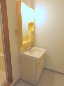 ファミール渋谷Ⅲ 204号室の洗面所