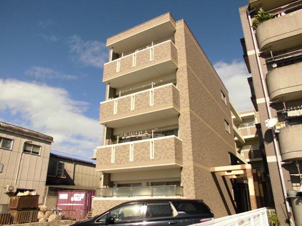 アムール 202号室の駐車場