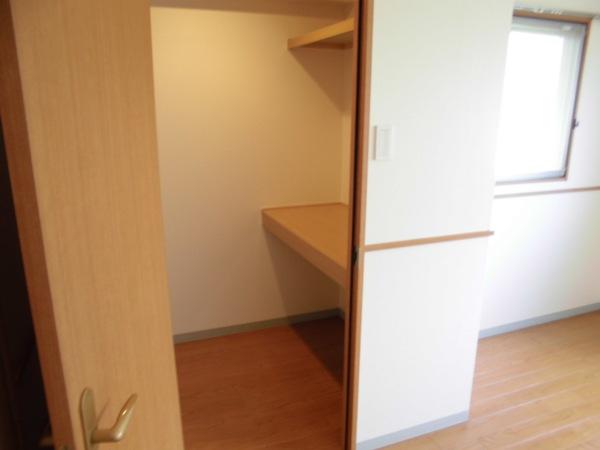 アムール 202号室のベッドルーム