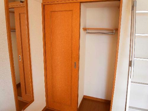 レオパレスSORAI2000 201号室の収納
