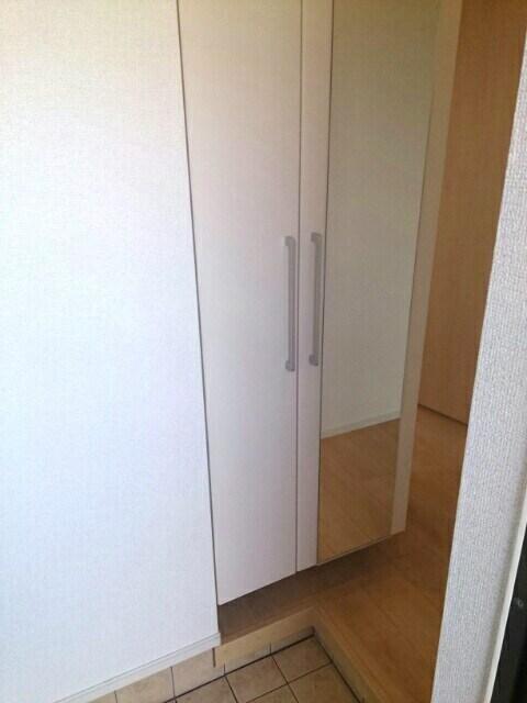 エアリー テラス キャロット 01010号室の玄関