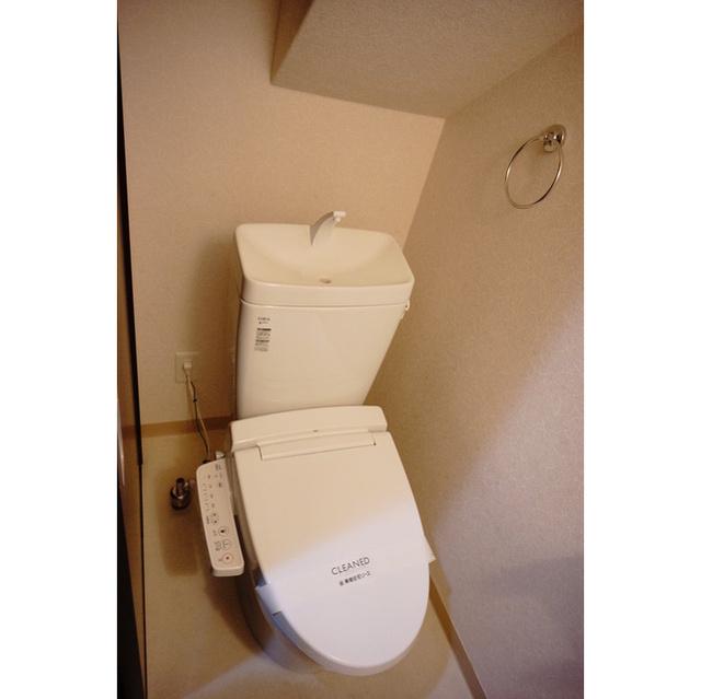 ADレジデンス久我山 201号室のトイレ