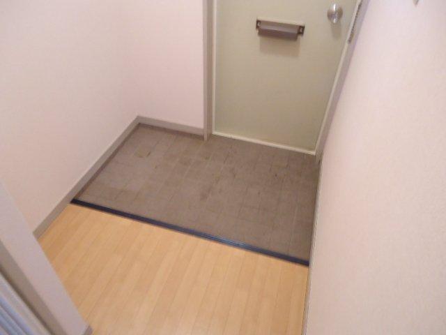 ハッピーパレス北棟 00205号室の玄関