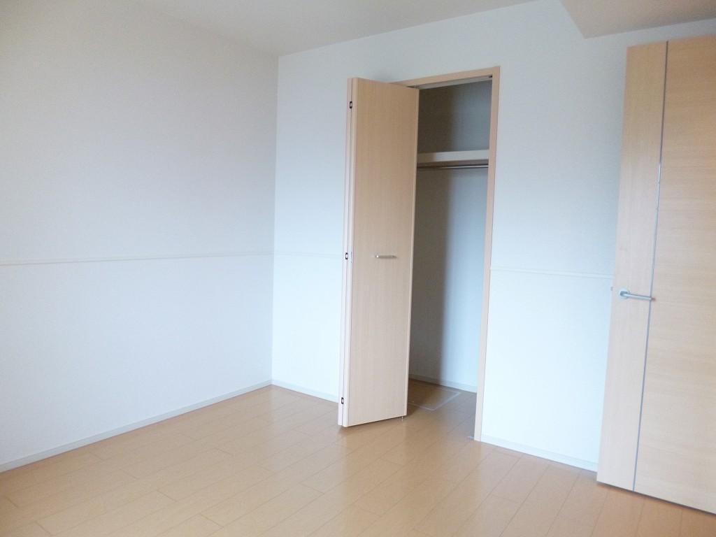 ルミナス 01030号室の居室
