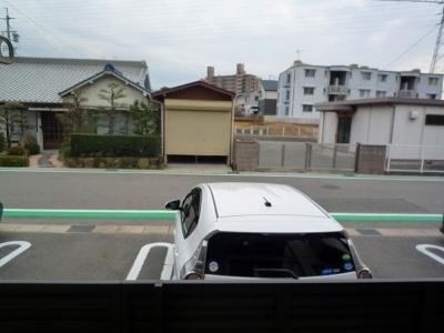ボヌール・フーカ 202号室の駐車場