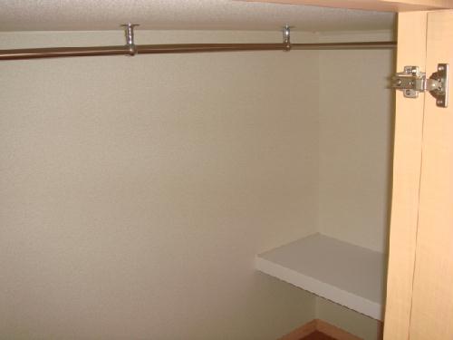 レオパレス水向 206号室の収納
