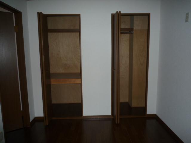 エバーフィールド 03040号室の収納