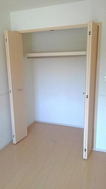 グラン・コート スピカⅡ 01010号室の収納
