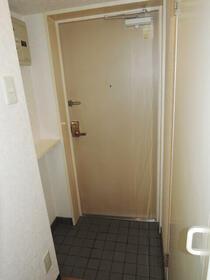 パールシティ川崎 00501号室の玄関