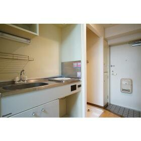 ハイネスときわ台 0102号室のキッチン