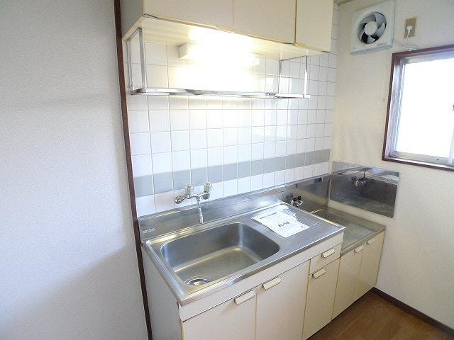 グリーンハイツ 01020号室のキッチン