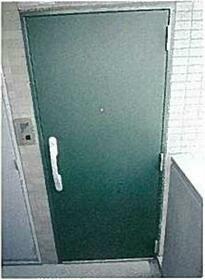 レアシス練馬 302号室の玄関