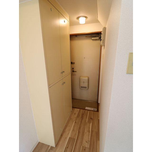 プレール西高島平 301号室の玄関