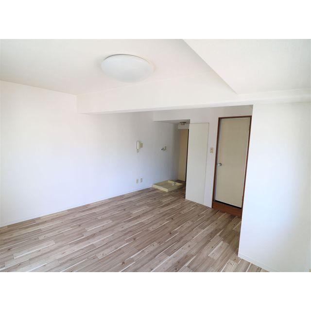 プレール西高島平 301号室のリビング
