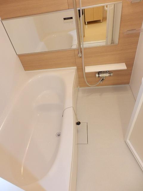 ラ・クープ 01020号室の風呂