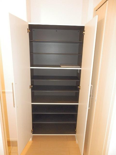 ラ・クープ 01020号室の洗面所
