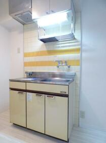 メゾン・ド・シェル 0103号室のキッチン