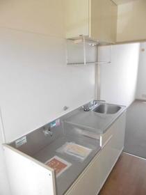 サニー元町Ⅰ 203号室のキッチン