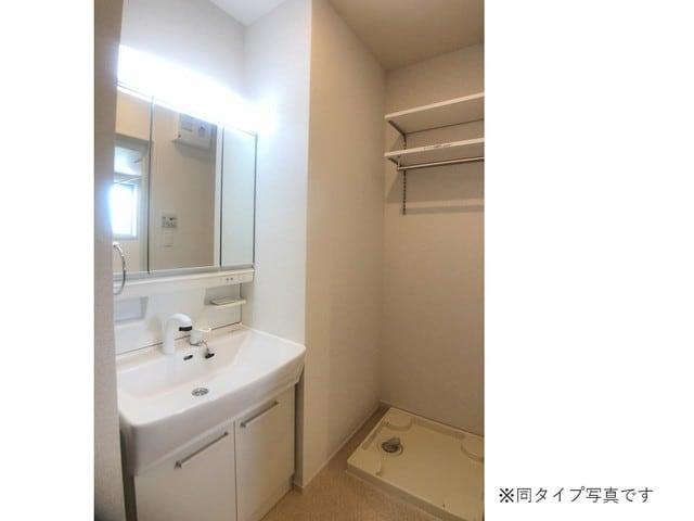 ミルキーウェイB 02040号室の洗面所