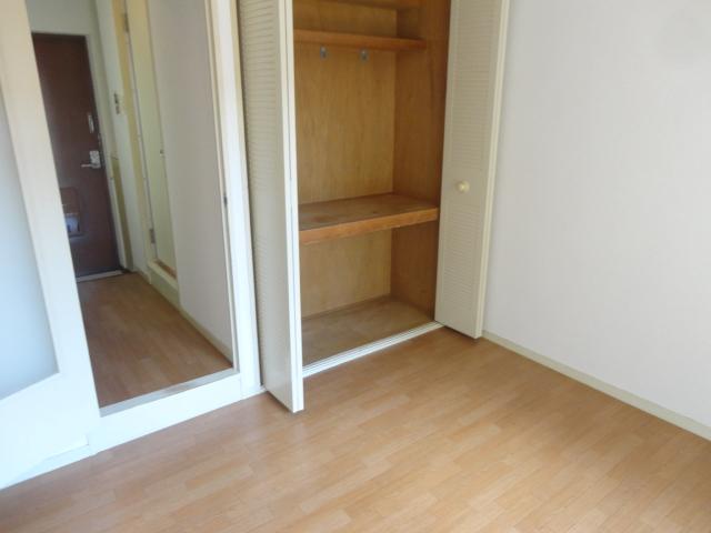 メゾンパール桂 402号室の収納