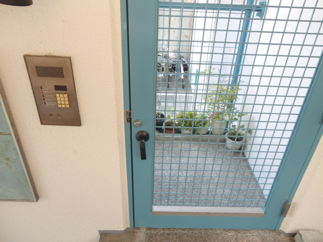 メゾンパール桂 402号室のセキュリティ