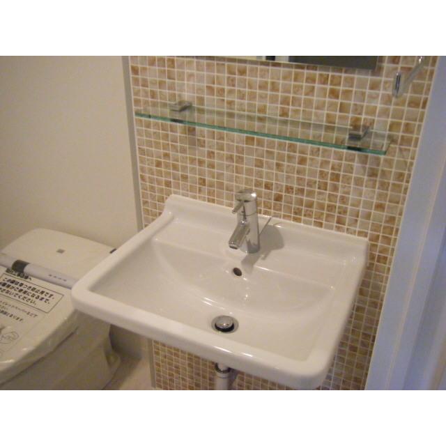 プレール・ドゥーク秋葉原Ⅱ 201号室の洗面所