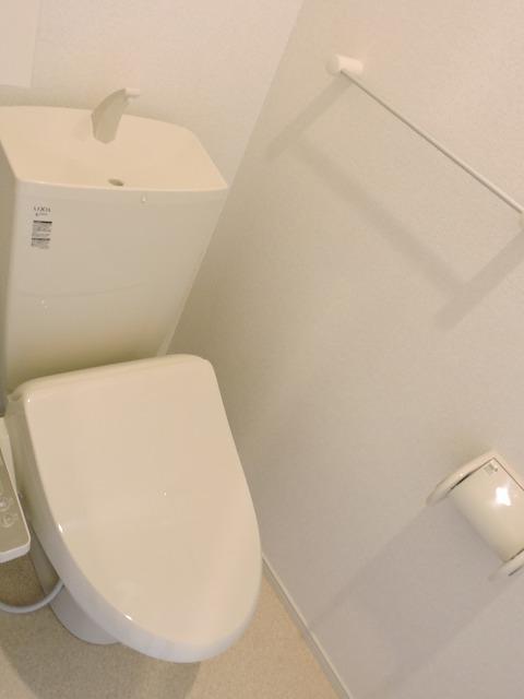 クレール ハピネスA 01020号室のトイレ