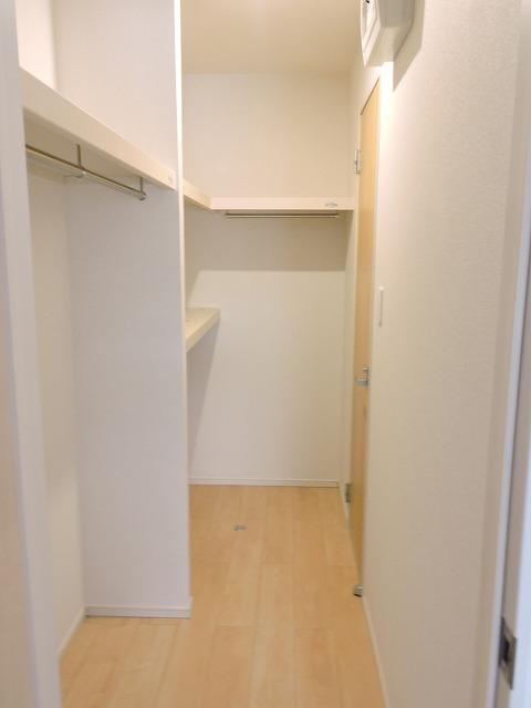 クレール ハピネスA 01020号室の収納