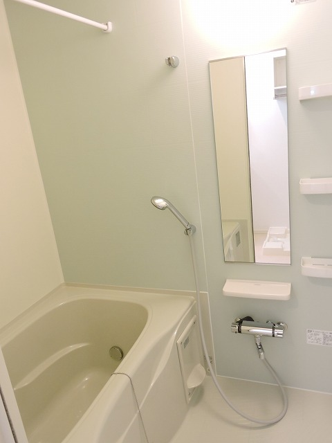 クレール ハピネスA 01020号室の風呂