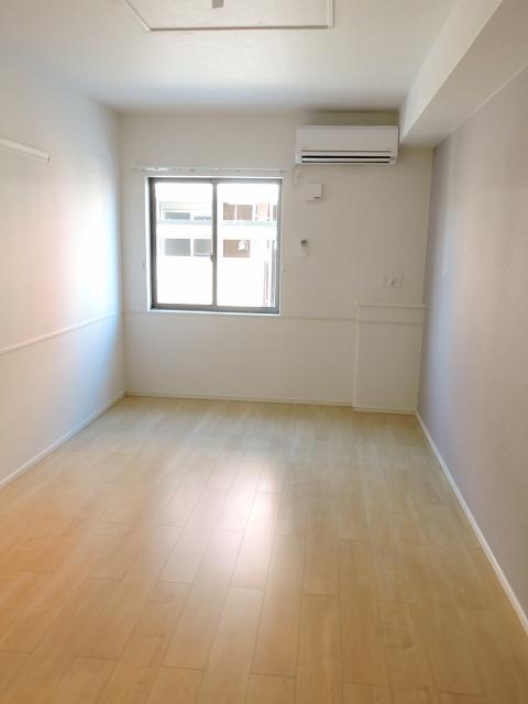 クレール ハピネスA 01020号室の玄関