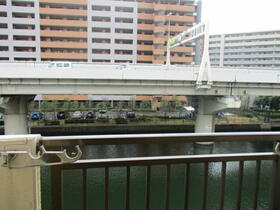 マリーナハウス横浜Ⅱ番館 413号室の景色