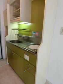 マリーナハウス横浜Ⅱ番館 413号室のキッチン