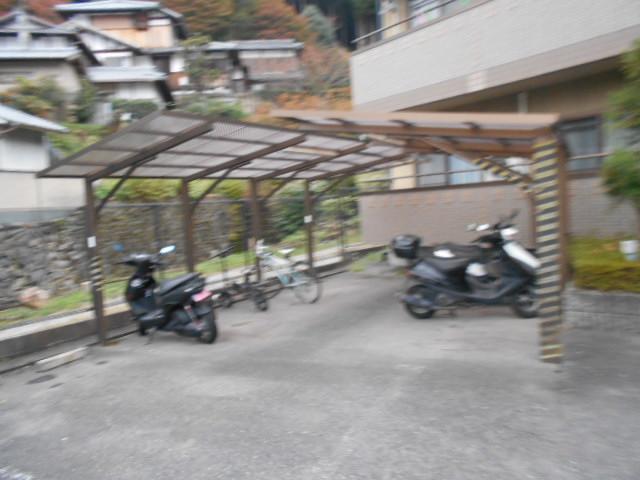 メープルYAMADA 101号室の駐車場