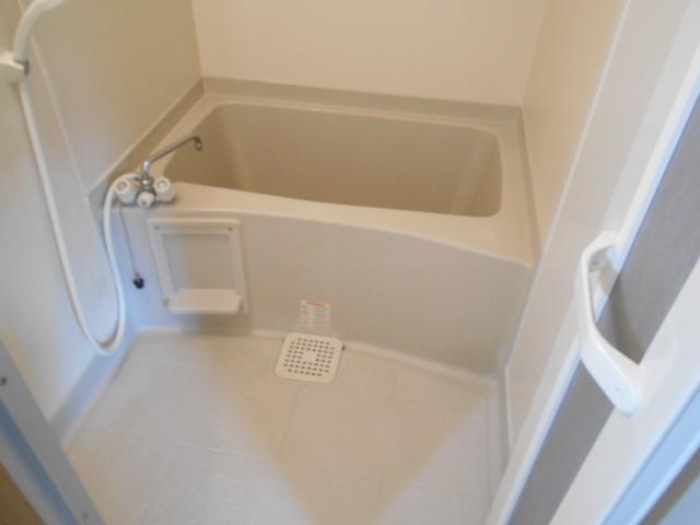 メープルYAMADA 101号室の風呂