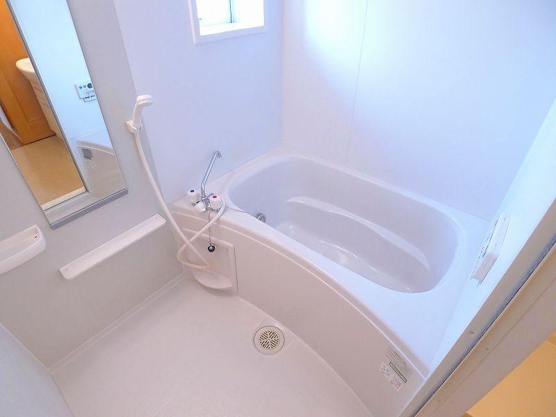 グランパラン A 02010号室の風呂