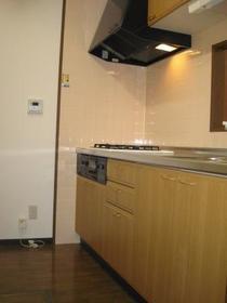 インペリアル花小金井 0302号室のキッチン