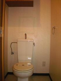 インペリアル花小金井 0302号室のトイレ