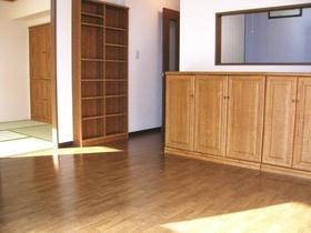 インペリアル花小金井 0302号室のリビング