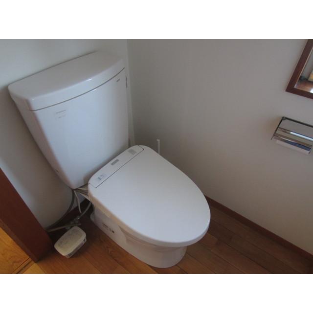 東町2丁目貸家のトイレ