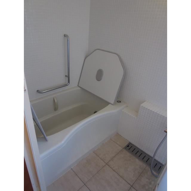 東町2丁目貸家の風呂
