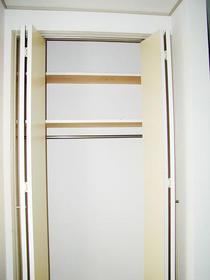 コンチネンタルハイム石神井台 203号室の収納