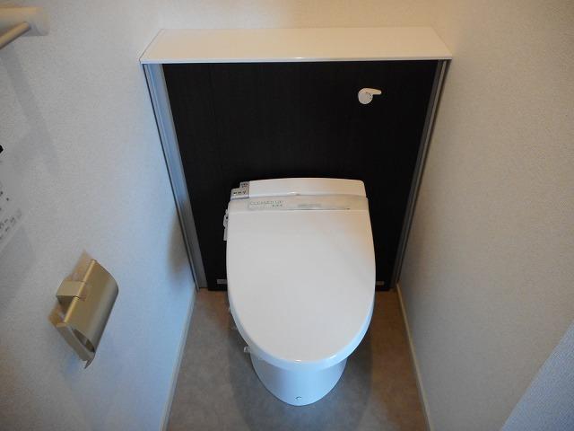 ベルメゾン 02010号室のトイレ