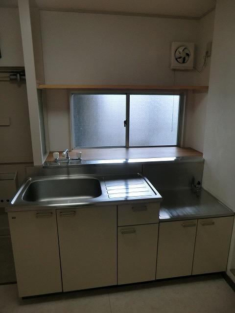 クラウディⅡ 101号室のキッチン