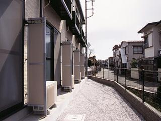 レオパレスコンフォート平松 109号室のリビング
