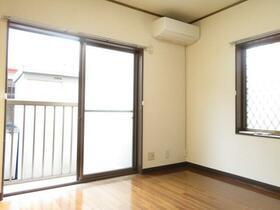 MY吉祥寺 102号室のリビング