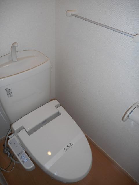 シャトーエクセラン 01030号室のトイレ