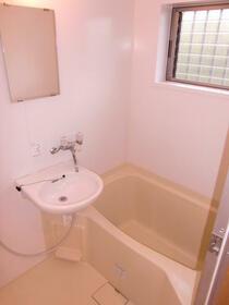 メゾン・ナナリ 101号室の風呂