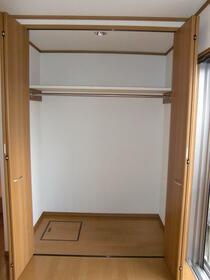 メゾン・ナナリ 101号室の収納