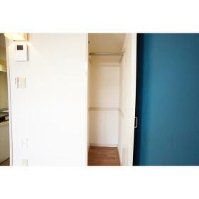 ラブピースエムス 103号室の収納